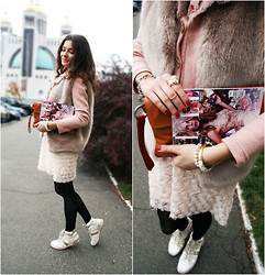Mariia Shtanko - Topshop Pink Fur Vest, Halfmoon Pink Wool Jumper, Zara Sweet Dress, Antonio Biaggi Sneakers, Oasis Leo Tights, St.Petersburg Jewelry Factory Jewellery, Piquadro Leather Bag - Pink bunny