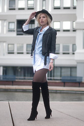 Rowan Reiding - Coolcat White Skorts Origami Skorts, Duo Boots Black Suede Over The Knee Overknee Thigh High, Costes Oversized Boyfriend Oxford Shirt, H&M Black Leather Jacket Motorcycle Mc, Lierys Black Fedora Hat - HEY SKORTIE!
