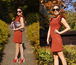 Panda Mone - Tk Maxx Dress With Ruffled Sleeves, Prada Xxl Clutch - Autumn Aurora.