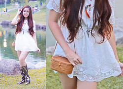 Juliana Lee Mei Yen - Vintage Dress, Picnic Bag From Bali, Forever 21 Glads Shoes - White picnic!