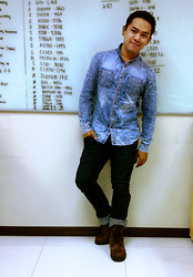 Emmarc Ancajas - Acid Reign Wash Woven Tops, Wrangler Denim Jeans, Gt Hawkins Caterpillar Boots - White Board