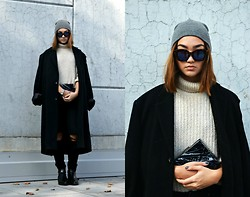 Konstanzia and Atusa Lechler - Zara Knit Sweater, Zara Boots, H&M Beanie, Bershka Sunglasses - THE LONGER THE BETTER!