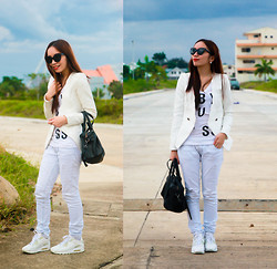 Germeline Nabua - Sunnies Cateye, Nike Air Max, Mags Vest, Mango Bag, Guess? G By Guess, Armani Exchange Distressed Jeans - Sporty White
