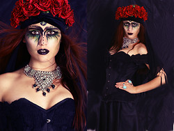 Jacky Siren - Corset, Manousche Flower Crown - Witchy Witch