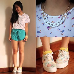 Jamie Lou Borile - Jewelrycoco Chain Necklace, House Of K Neon Bow Shorts, Bonita Y Elegante Stack, Oasap Floral Platfrom Sneakers - Brighten Up!