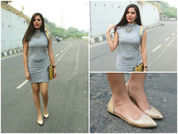 Pooja Mittal - Lovely Shoes Mashup The West Hofn Style Western Metal Cusp Flat - Glitter & Gold
