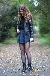 Janine De Bart - Forever 21 Fake Leather Jacket, C&A Black Cropped Sweater, Primark Plaid Skirt, Dr. Martens Docs - Harder to breathe