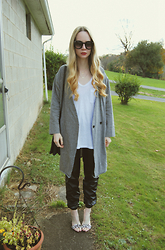Stacey Belko - Urban Outfitters Shirt, Frontrowshop Jacket, Guess? Shoes - In the grey.