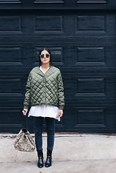 Elif Filyos - Frontrowshop Padded Bomber Jacket, Urban Outfitters Calf Hair Bucket Backpack - Love Me Some Hair
