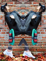 Iwińska .com - Acne Studios Leather Jacket, Brooklyn Butik Fingercroxx Cap, Nike Air Max90 - Grunge Look& street style with Nike AIRMAX90