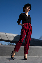 Justyna Polska -  - TROUSERS WITH PLEATS