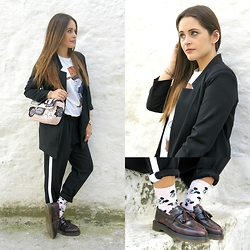 Annalisa Masella (www.insideme.it) - Siamoises, Zara, Dr. Martens Dr.Martens, H&M, Msgm, Born Pretty - Casual look with blacks jacket and pants