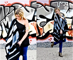 Fashiontwins - Topshop Cape, H&M Jeans, Villa Dress, Prada Bag - Cape Chic