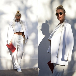 Emma Easton - Asos Pantalon Large, Asos Crop Top Blanc En Cuir, Asos Veste Perfecto - ON THE RUN : ALL WHITES