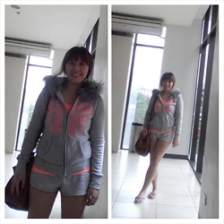 Ytalia Baguio - Aeropostale Jacket, Terranova Shorts, Ginga Flip Flops - Rainy days, rainy days