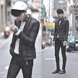 IVAN Chang - Fred Perry Blazer, Topman Black Skinny Jeans - 031114 TODAY STYLE