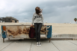 Sahar Lazari - Miss Rebel Nerd, H&M Leather Biker Pants, Pull & Bear Backpack, Converse All Star - The Nerd Sweatshirt