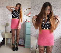 Amelia Breading - Primark Fluffy Skirt, O Mighty Weekend Crop Top - YIN & YANG