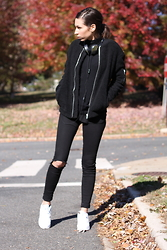 Laura H - Nelly Trend Jacket, River Island Jeans, Nike Sneakers - Teddy Bomber