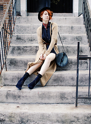 Claire Geist - Vintage Ascot, Zara Dress, Calypso Cashmere Duster, Vintage Canteen Buckle Bag, Coclico Bewts, Preston & Olivia Telscope Hat - Scoping