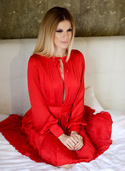 Laura Maxim -  - Silk red dress