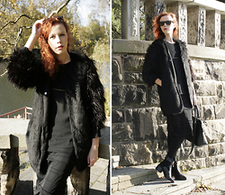 Jesuswannatouchme . - Ankle Zip Boots, Orsay Leather Bag, Zara Chiffon Top With Zip, H&M Chiffon Skirt, H&M Fur Vest, Ebay Fur Jacket - CORNEILLE // jesuswannatouchme.