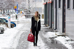 Sanna - Dkny Bag, Guess? Shoes - First snow