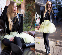 Dana Lohmüller - Asos Tulle Skirt, Barneys Originals Leather Jacket, Sacha Shoes Ankle Boots - A little bit of Carrie: the tulle skirt