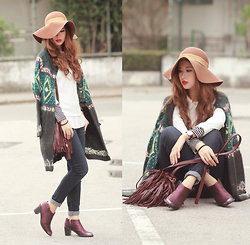Mayo Wo - Free People Knit Cardi, Tout A Coup Pleated Top, Free People Jeans, Roxy Bag, Miista Metallic Wine Booties - Be free
