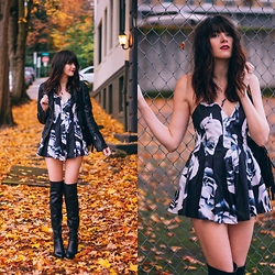 Kacie Cone - Stelly Pecan Squares Playsuit, Livre Brune Double Crystal Choker, Nasty Gal Naomi Thigh High Boot - Pretending