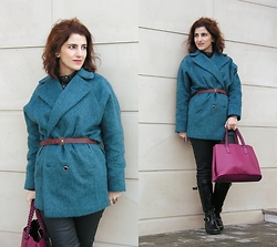 Teresa Leite - Asos Blue Brushed Wool Coat, Pull & Bear Burgundy Skinny Belt, Mango Waxed Leggings, Mango Tall Patent Leather Boots, Parfois Fuchsia Bag - The New Cool Way of Wearing Coats