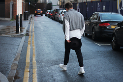 Rolandas Lušinskis - H&M Sweater, Uniqlo Tee, All Saints Hat, Asos Sweatpants, Sandro Sneakers - COMFORT DRESSING