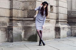 Milkwoman Johana - Frontrowshop Knitted Dress, Dr. Martens Boots, Topshop Backpack - Knitted dress