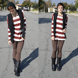 Bethany R. - 9th And Elm Striped Tunic, American Apparel Leggings - Chimney Sweep