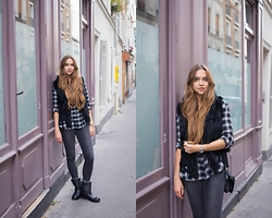 Jana Couture - H&M Checked Shirt, Zara Boots - Not all who wander are lost