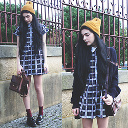 CLAUDIA Holynights - Motel Rocks Bea Plaid Dress In Navy, Dr. Martens Adrien Shoes - Navy, mustard and merlot
