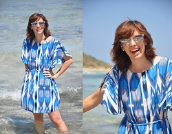 Traveller on The High Heels Margo - Dorothy Perkins Dress, Ray Ban Sunglasses - Azure enchantment - Balos Crete