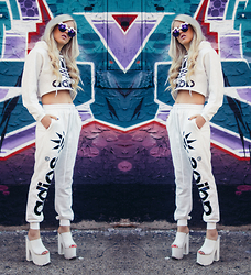 Rachel Lynch - Minty Jungle Adios, Yru White Platforms - I'm in the love with the coco
