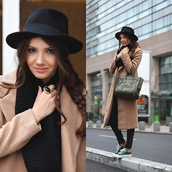 Larisa Costea - Missguided Coat, Converse Trainers, Jessica Buurman Ring, Jessica Buurman Bag - Casual Monday