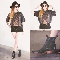 Sally S - Vintage Lamb Of God Tee, Lip Service Lace Up Shorts, Vintage Western Booties, Zerouv Clubmasters - Metal head