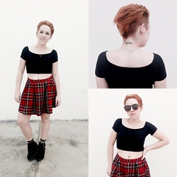 Raysa Castañeda - Forever 21 Plaid Skirt, Forever 21 Black Crop Top - Nightmare dressed like a daydream