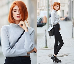 Ebba Zingmark - J Brand High Vaisted Stretch Denim Jeans, Shellys London Shoes, Late Manta Bag, 2hand Turtleneck - FUZZ