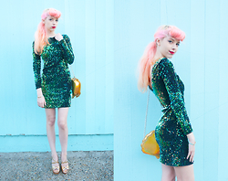 Kailey Flyte - Motel Rocks Mermaid Dress, Swaychic Gold Seashell Bag, Hello Holiday Gold Wedges, Ban.Do Party Time Bracelet - Mermaid Tail