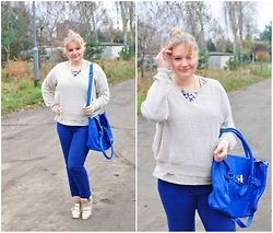Kasia Koniakowska - Deashop Sneakers, Reserved Necklace - Gold and blue