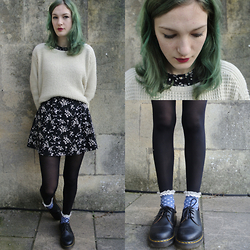 Annie Honey Mac - Topshop Jumper, Dr. Martens Shoes - Daisies and DMs