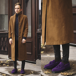 Daniil Shamatrin - Coat, Turtleneck Sweatshirt, Jeans, Shoes - Such Owls As You