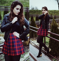 Dominika Religa - H&M Skirt, New Look Wedges - Tartan and leather - it is rocky me!