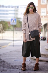 Patricia G. - Zara Sweater, Gucci Bag, Zara Pants, Ganni Boots - Knots
