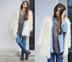 Catarina Marques - Brandy Melville Usa Top, Zara Ripped Blue Jeans, Frontrowshop Faux Fur White Coat, Missguided Ankle Boots, Xbeatrce Statement Necklace - Breathe it all in, love it all out