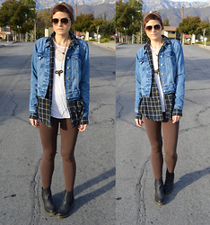 Bethany R. - Levi's® Trucker Jacket, American Apparel Leggings - Dodge